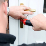 Locksmith 24/7 picking Door Darndale